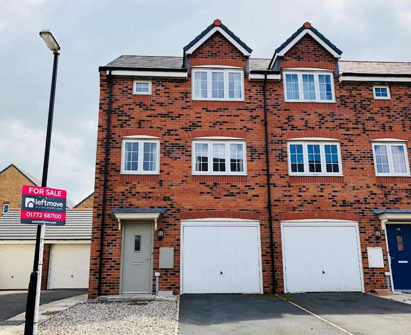 4 Bedrooms Town House for sale in Wesham Park Drive, Wesham, Preston, Lancashire, PR4 3ER