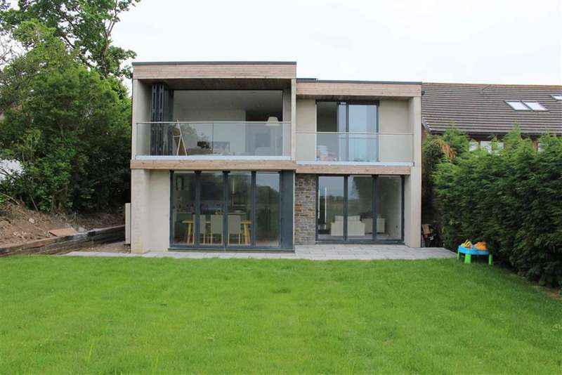 4 Bedrooms Detached House for sale in Joiners Road, Three Crosses