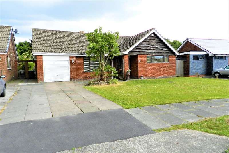 3 Bedrooms Bungalow for sale in Lowther Ave, Culcheth, Warrington, WA3 4JZ