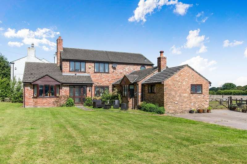 3 Bedrooms Detached House for sale in Stockley Lane, Lower Stretton, Warrington, WA4