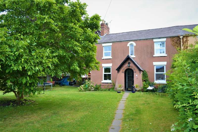 4 Bedrooms Semi Detached House for sale in Greenfield, Wrexham
