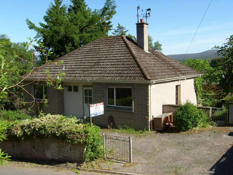 4 Bedrooms Detached House for sale in Kingussie, PH21 1JS