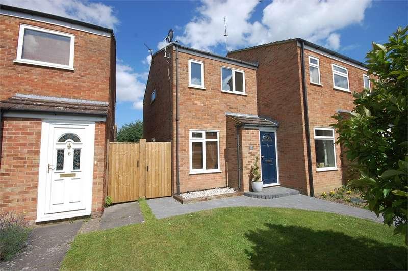 2 Bedrooms End Of Terrace House for sale in Redland Way, Aylesbury, Buckinghamshire