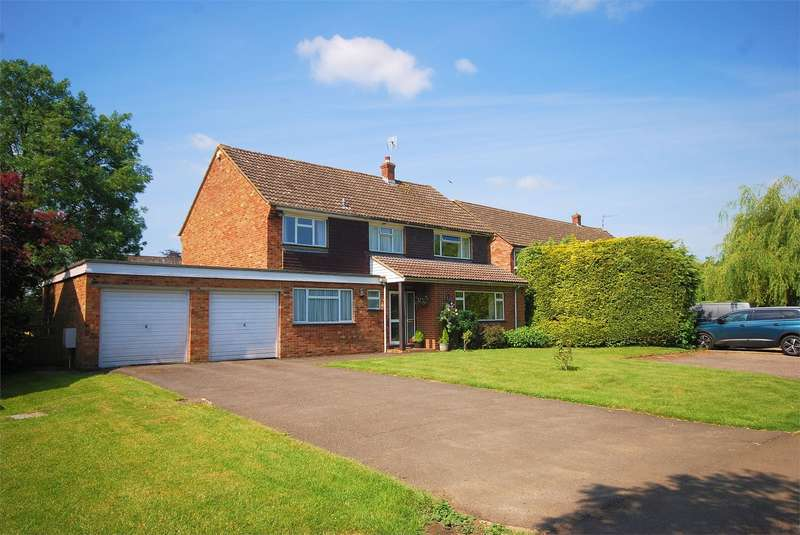 4 Bedrooms Detached House for sale in Quakers Mead, Weston Turville, Buckinghamshire
