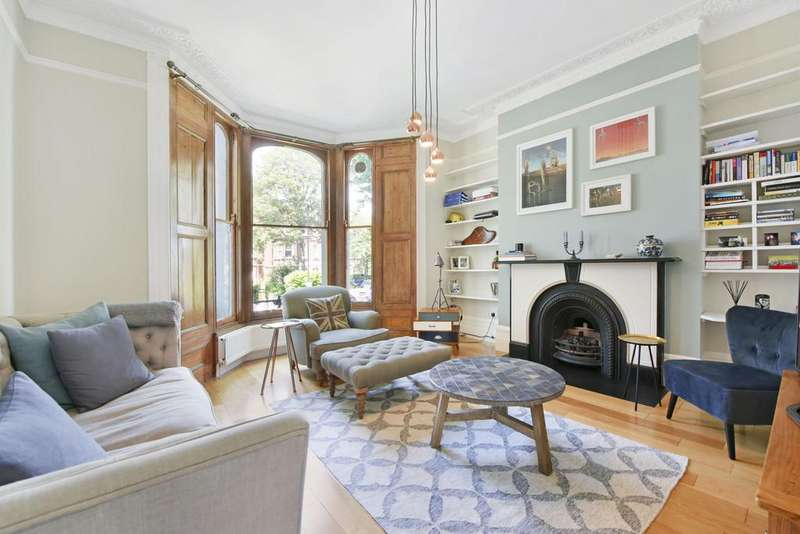 2 Bedrooms Apartment Flat for sale in Larkhall Rise, London