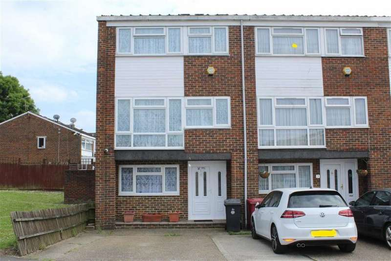 4 Bedrooms Town House for sale in Brammas Close, Slough, Berkshire