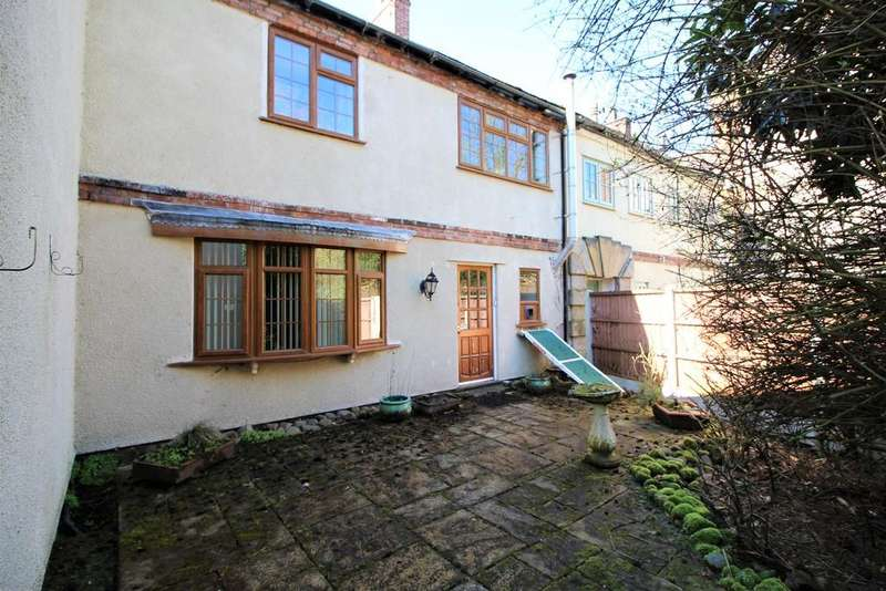 3 Bedrooms Detached House for sale in Old Hall Mill Lane, Atherton