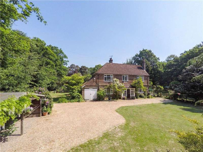 3 Bedrooms Detached House for sale in West Park Road, Copthorne, West Sussex, RH10