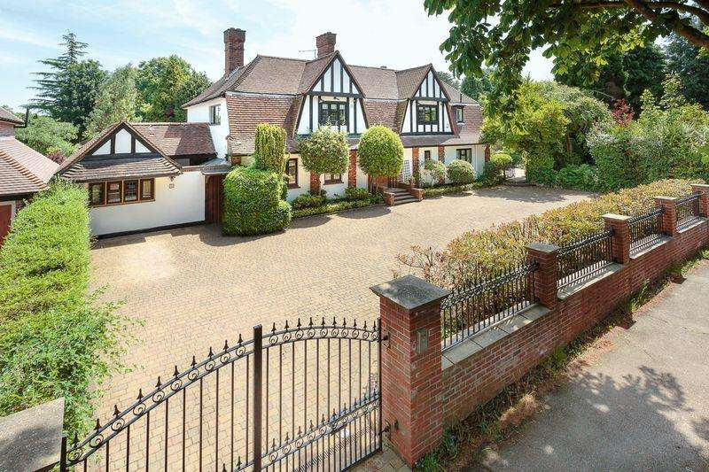 6 Bedrooms Detached House for sale in The Highway, Sutton