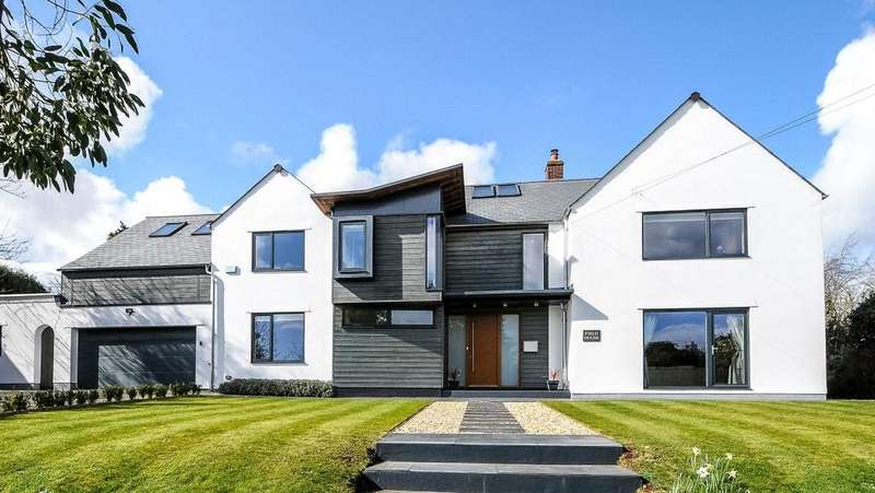 5 Bedrooms Detached House for sale in Bradford Road, Sherborne, Dorset