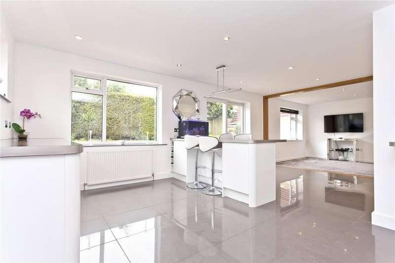 5 Bedrooms Detached House for sale in Ribble Close, Broadstone, Poole, BH18