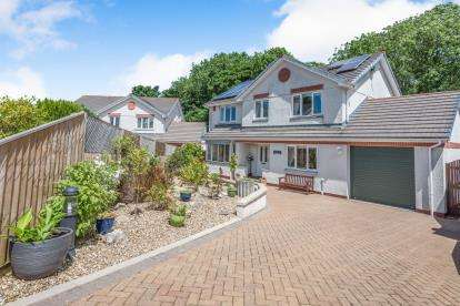 4 Bedrooms Detached House for sale in West Trewirgie Road, Redruth, Cornwall