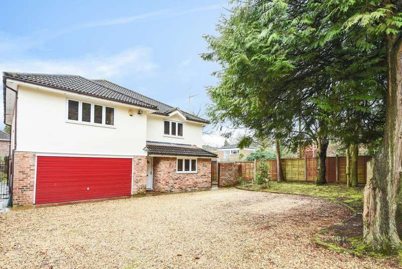 5 Bedrooms Detached House for sale in Crowthorne, Berkshire, RG45