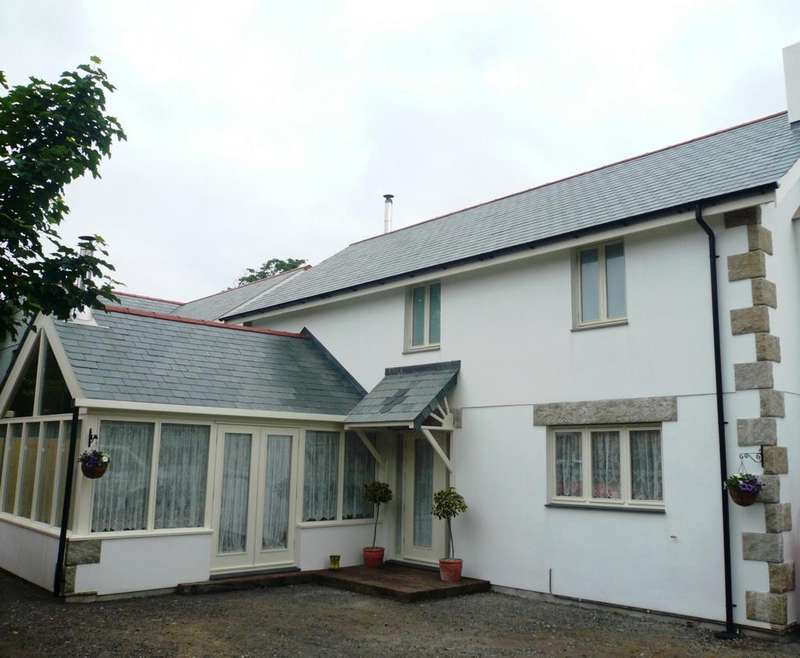 3 Bedrooms Detached House for sale in Sleepy Hollow, Treswithian, TR14