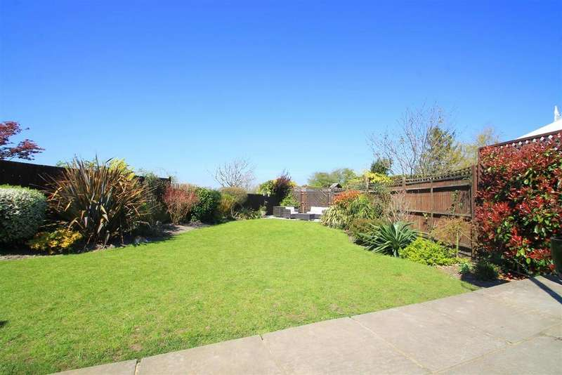 4 Bedrooms Detached House for sale in Kings Barn Lane, Steyning