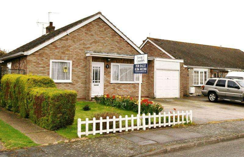 4 Bedrooms Bungalow for sale in Fordwich Road, Brightlingsea