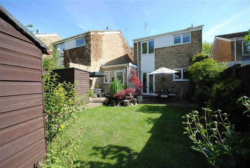 3 Bedrooms Semi Detached House for sale in Northcourt, Leighton Buzzard