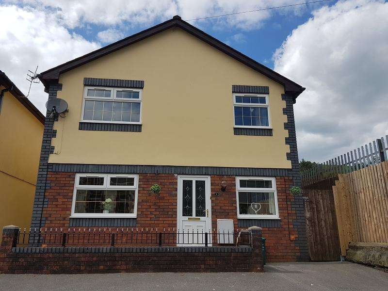 4 Bedrooms Detached House for sale in Park Road, Cwmparc, Rhondda Cynon Taff. CF42 6LA
