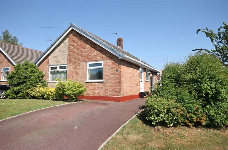 2 Bedrooms Bungalow for sale in Grosvenor Road, Widnes, Cheshire, WA8 9QX