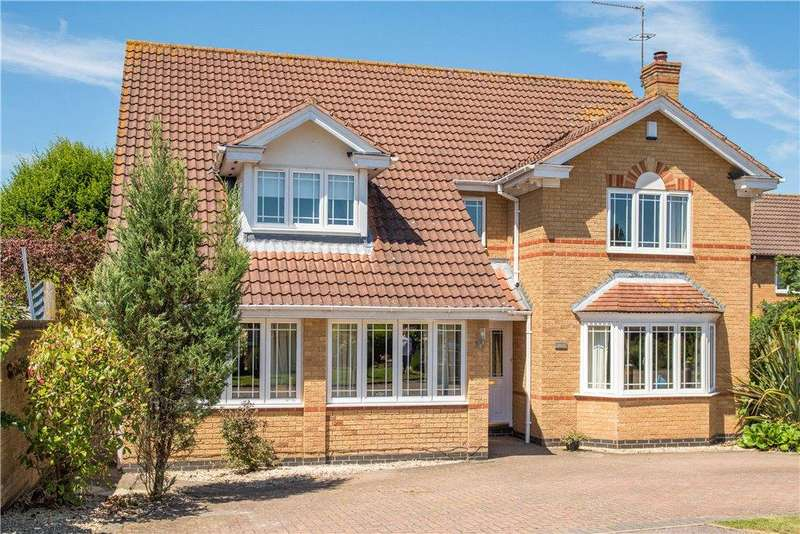 4 Bedrooms House for sale in Eider Close, Buckingham, Buckinghamshire