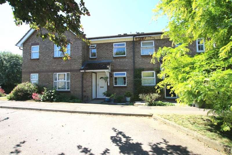 2 Bedrooms Terraced House for sale in Guelder Rose, Ely
