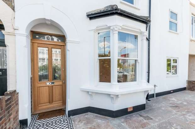 3 Bedrooms Terraced House for sale in Caulfield Road, Nunhead, SE15