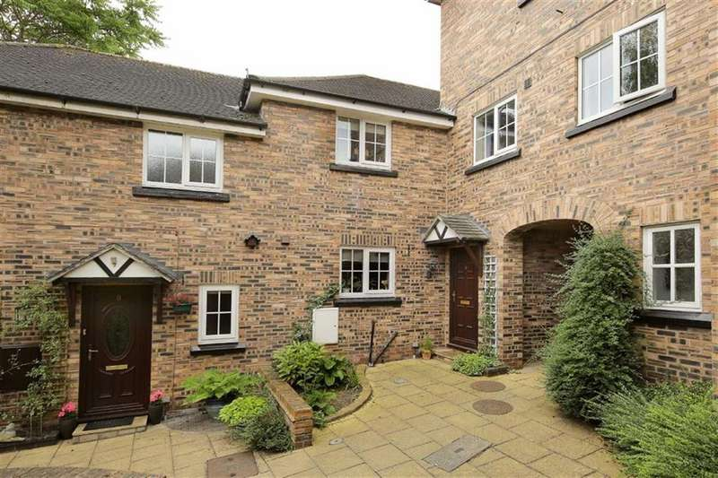 3 Bedrooms Mews House for sale in Crown Courtyard, Audlem Crewe, Cheshire