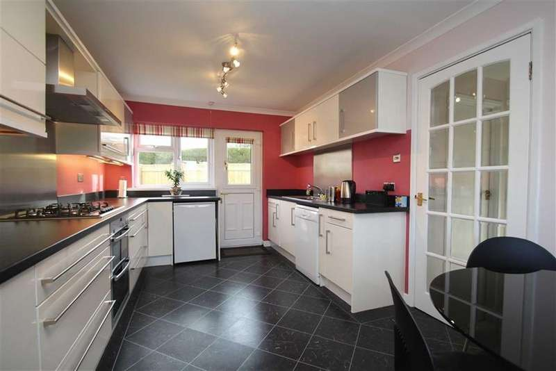 4 Bedrooms Detached House for sale in Montalbo Road, Barnard Castle, County Durham