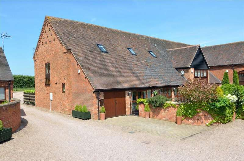 3 Bedrooms Barn Conversion Character Property for sale in Tardebigge, Worcestershire