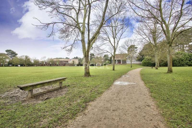 3 Bedrooms Flat for sale in St Augustines Road, Bedford