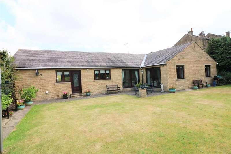3 Bedrooms Detached Bungalow for sale in Halifax Road, Brighouse, HD6