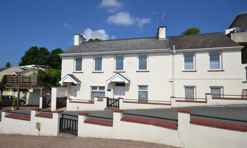 3 Bedrooms Detached House for sale in Llanstadwell