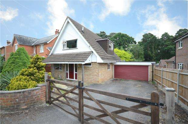 3 Bedrooms Detached Bungalow for sale in Longdown Road, Sandhurst, Berkshire