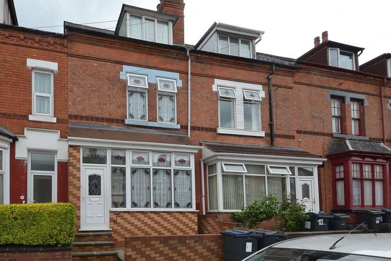 4 Bedrooms Terraced House for sale in Grove Road, Sparkhill, Birmingham, B11