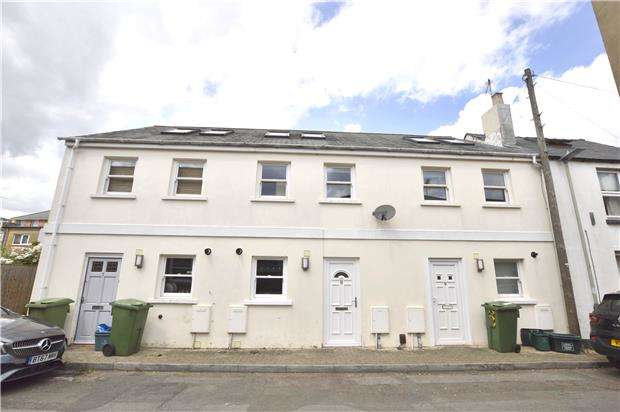 3 Bedrooms Terraced House for sale in Malthouse Lane, CHELTENHAM, Gloucestershire, GL50 4EY
