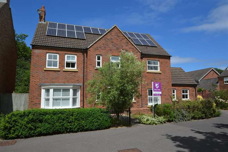 4 Bedrooms Detached House for sale in Bilberry Gardens, Mortimer, Reading, RG7
