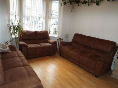 6 Bedrooms Terraced House for sale in Crawley Road, Luton, Bedfordshire