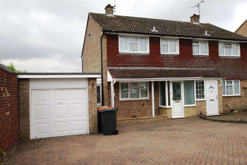 4 Bedrooms Semi Detached House for sale in Kirkstone Drive, Dunstable