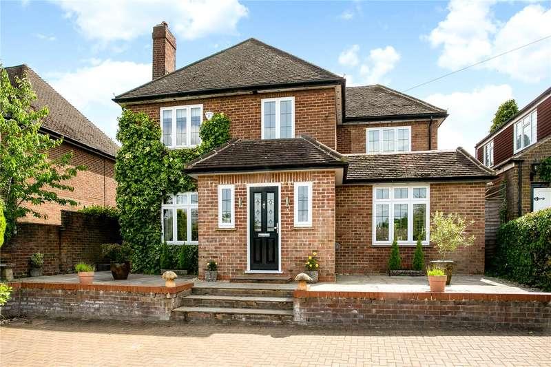 4 Bedrooms Detached House for sale in Berkeley Avenue, Chesham, Buckinghamshire, HP5