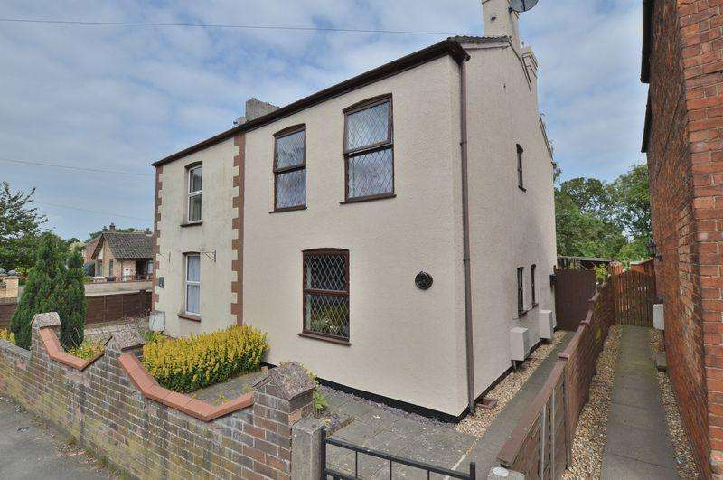 3 Bedrooms Semi Detached House for sale in 25 High Street, Coningsby