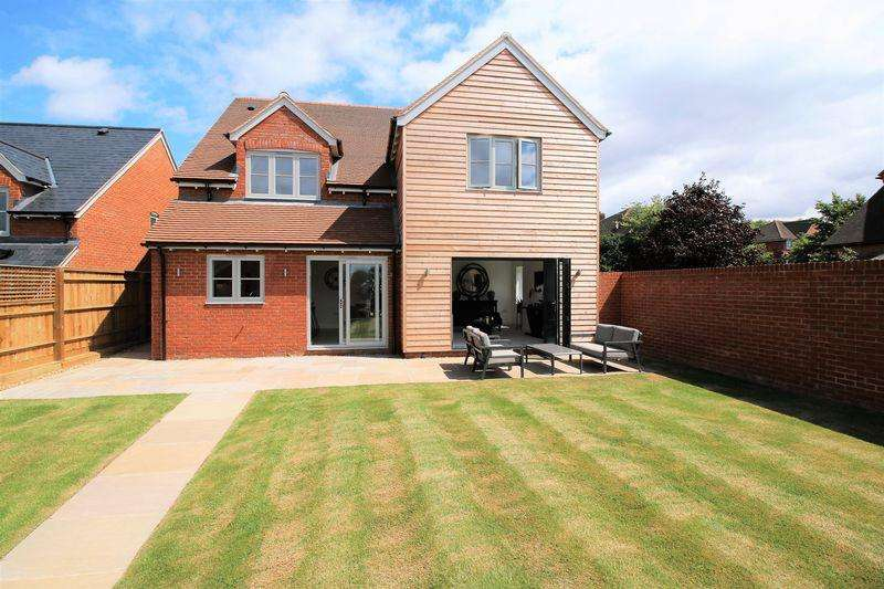 4 Bedrooms Detached House for sale in Shabbington
