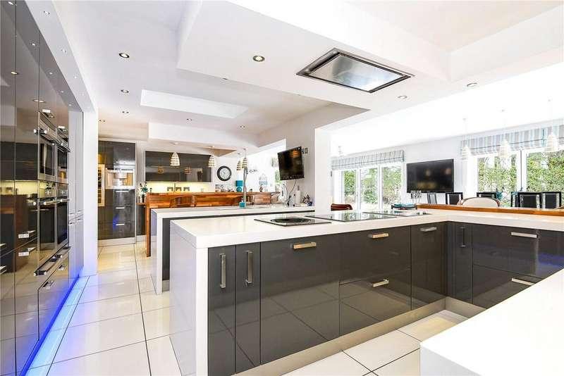 4 Bedrooms Detached Bungalow for sale in Oakley Lane, Oakley, Basingstoke, RG23