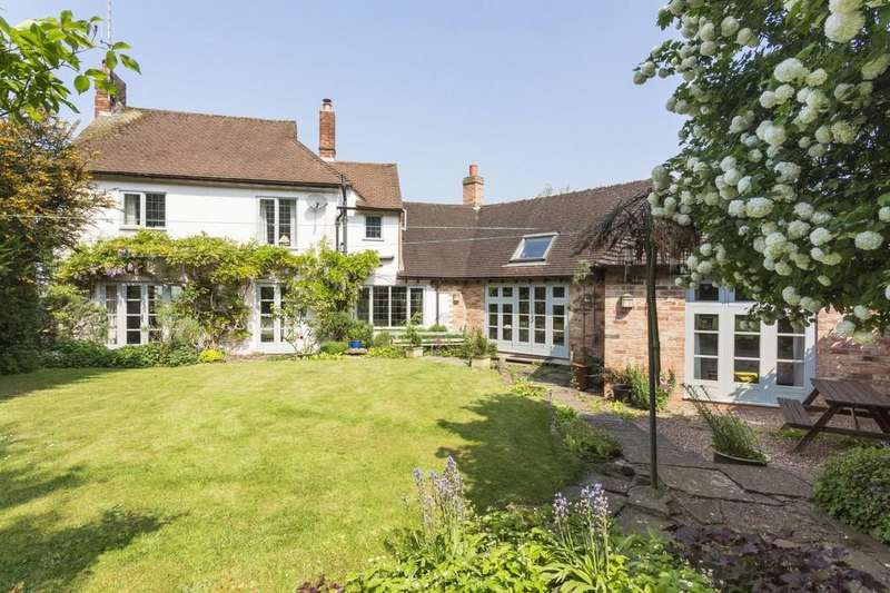 4 Bedrooms Detached House for sale in Rowbury Drive, Burton-on-Trent