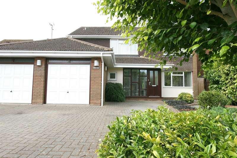 4 Bedrooms Detached House for sale in Bullpond Lane, Dunstable, Beds.