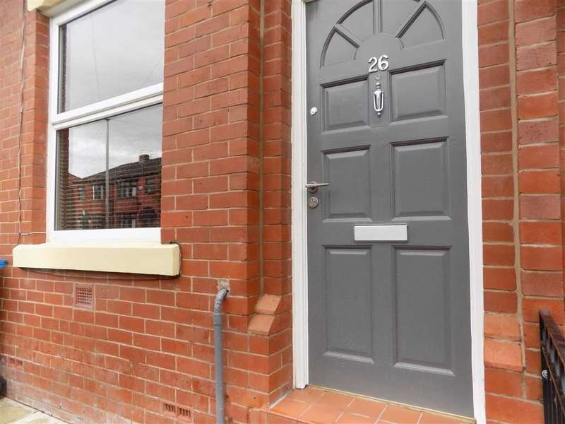 3 Bedrooms Terraced House for sale in Whiteley Street, Manchester, Manchester