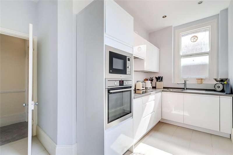 3 Bedrooms Flat for sale in Buer Road, Fulham, London