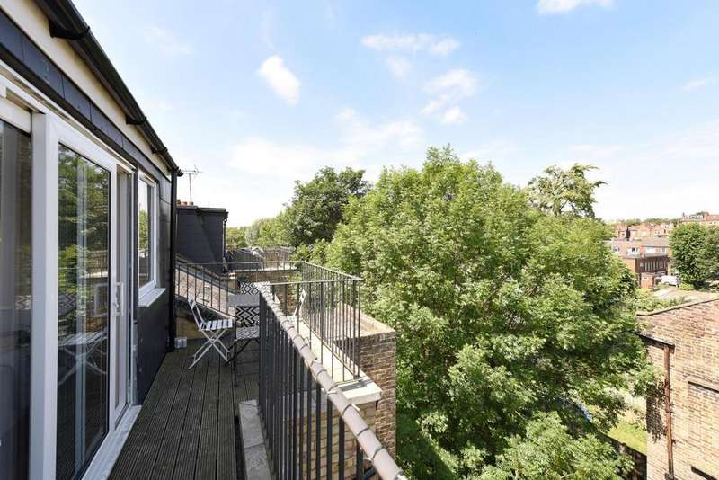 2 Bedrooms Flat for sale in Maygrove Road, West Hampstead
