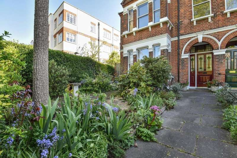 4 Bedrooms Semi Detached House for sale in Peckham Rye, Peckham