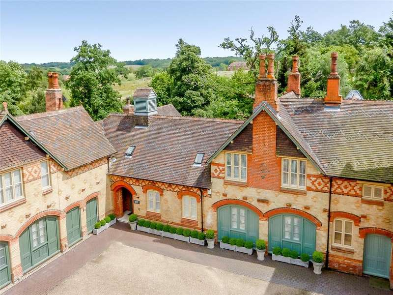 5 Bedrooms House for sale in Warren Wood Mews, Hertfordshire