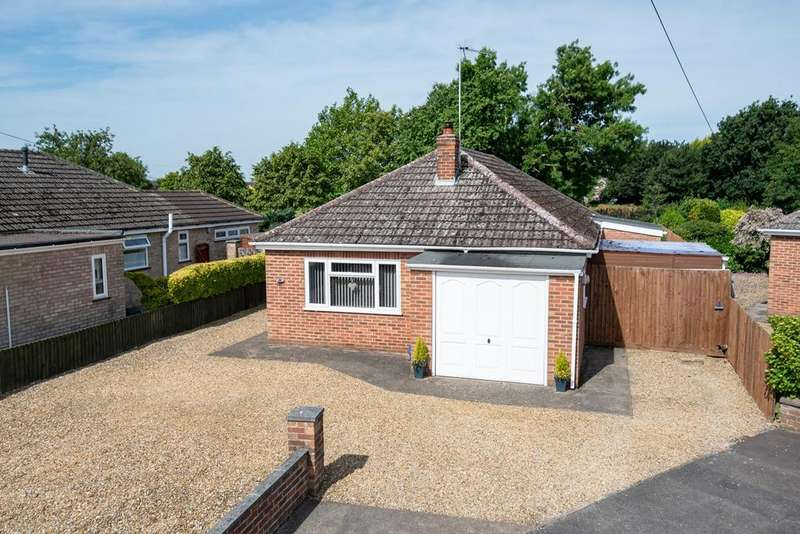 3 Bedrooms Detached Bungalow for sale in Harwood Avenue, Holbeach, PE12